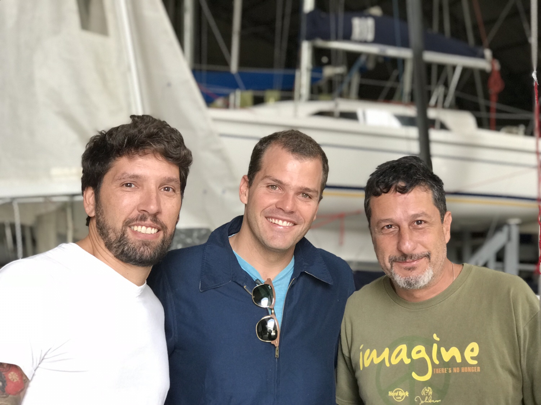 Com Ale Olio e Marcos Val, eles estão com o snipe antigo do Bellotti